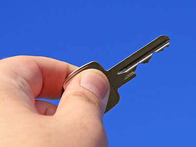 house key close